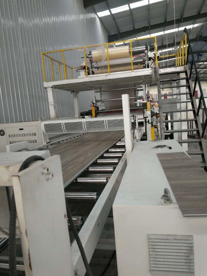 Loose lay vinyl flooring manufacturer